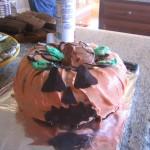 gluten-free-halloween-pumpkin-cake